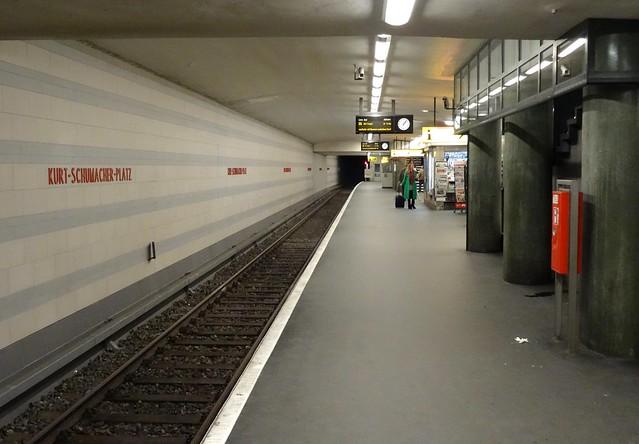 Berlin - U-Bahnhof Kurt-Schumacher-Platz