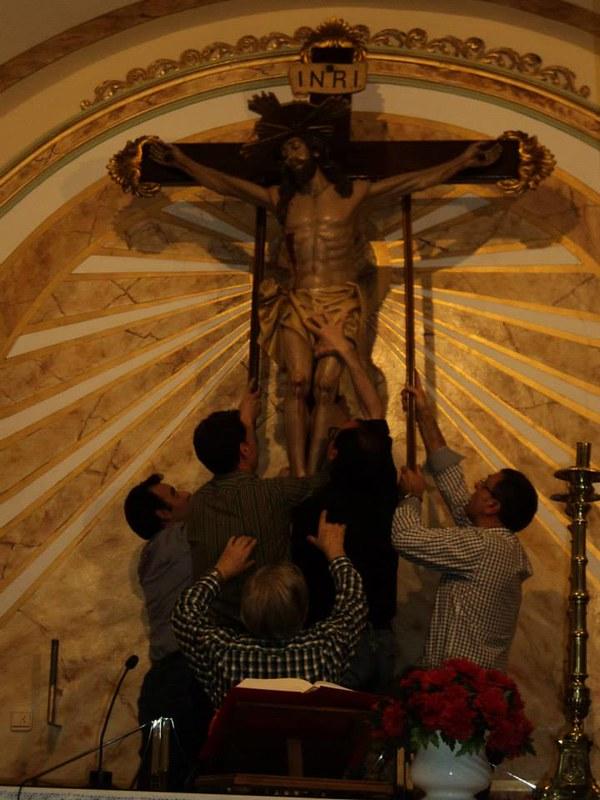 (2014-04-01) - V Vía Crucis nocturno -  Antonio Vázquez (09)