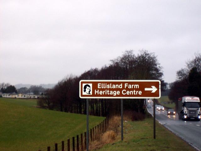 SIGN FOR ELLISLAND FARM CENTRE