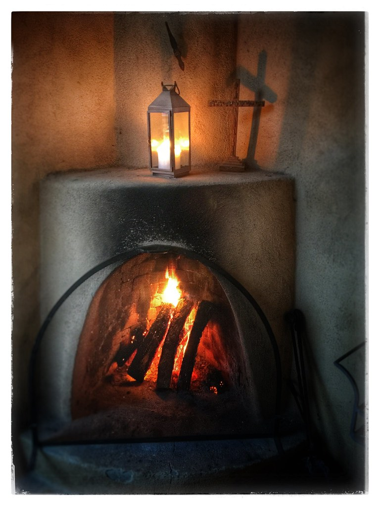 Wondrous Kiva Fireplace Los Poblanos Organic Farm Albuquerque New M Interior Design Ideas Oteneahmetsinanyavuzinfo