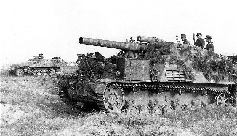 Hummel SPG supporting the advancing Panzergrenadiers, 1944