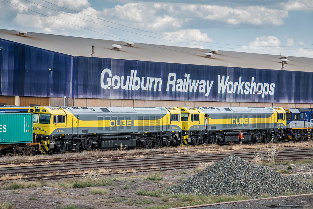 QBX005 and QBX006 at Goulburn by Azza01