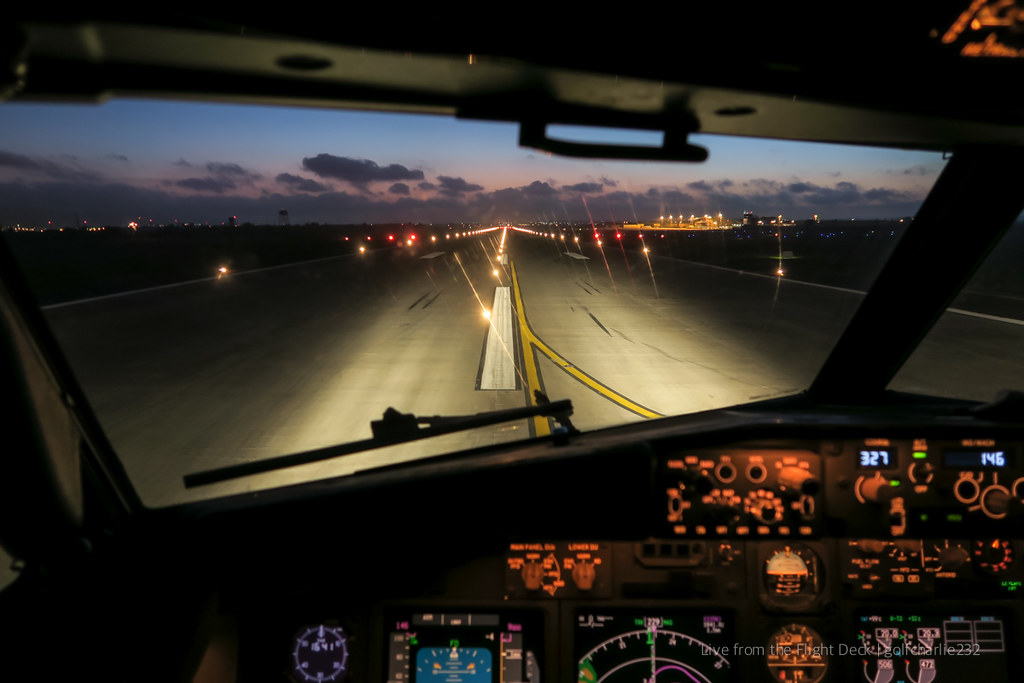 Take-off, Boeing 737 cockpit view | Advised by ATC of a 5 mi… | Flickr