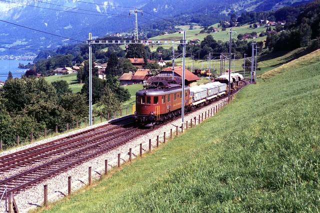 205  Ae 6/8 (BLS) te Faulensee op 17-7-1995 (SCAN)