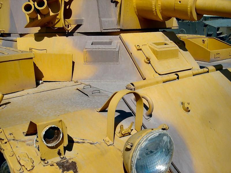 装甲車サラディン3