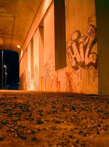 bridge urban night suomi finland concrete graffiti december 2006 vaasa vasa pohjanmaa Österbotten ostrobothnia