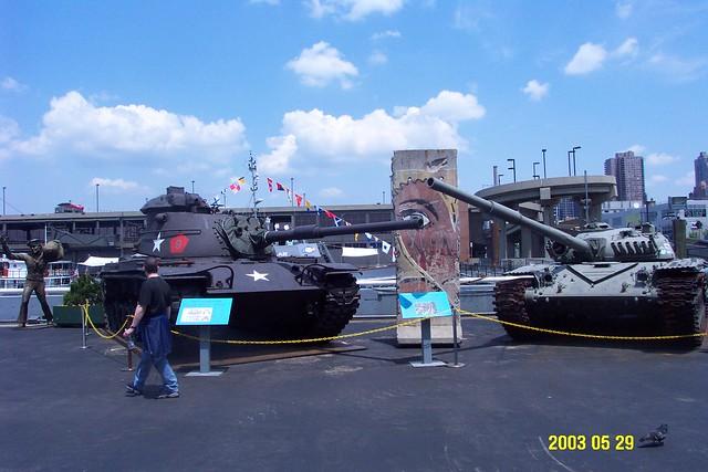 USS_Intrepid_8_tanks