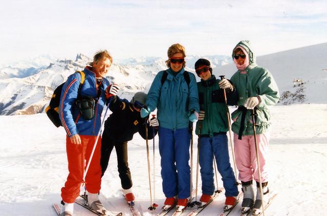 1983 tubby family skiing