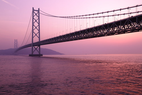 bridge light sunset sea sky building japan architecture landscape twilight construction maiko kobe 日本 suspensionbridge 神戸 awajiisland 瀬戸内海 兵庫県 明石海峡大橋 pearlbridge 淡路島 吊り橋 トワイライト パールブリッジ 舞子公園 本州四国連絡橋 thehonshushikokuhighway theakashikaikyōbridge hyogoprefecturalmaikopark