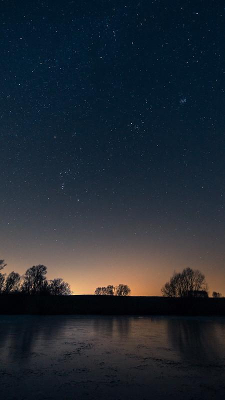 Sternenhimmel am Teich in Blütenberg