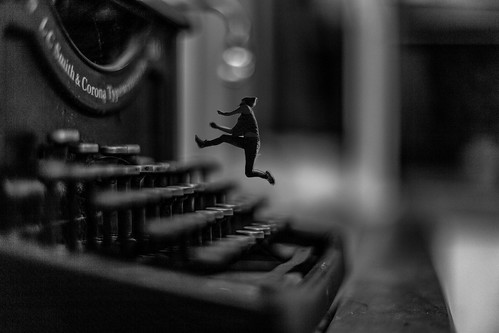 Vintage Typewriter Composing | by Wendelin Jacober