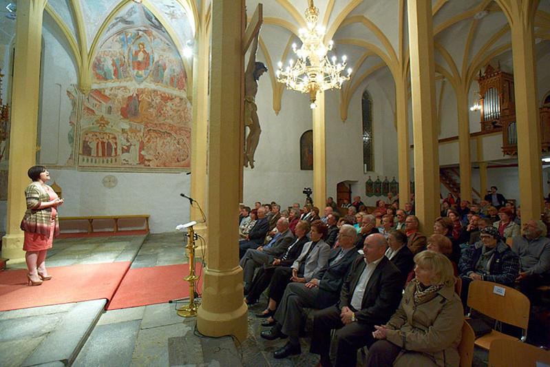 2012 Oktet Suha in Nuška Drašček - foto Uroš Zagožen