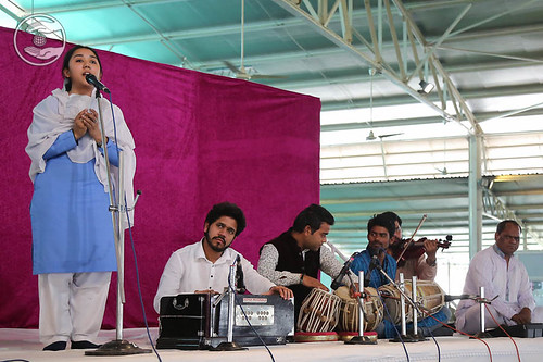 Devotional song by Upashana from Sant Nirankari Colony, Delhi