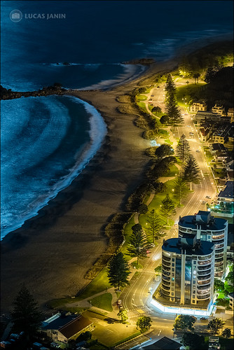 road longexposure blue light newzealand plant color building tree beach yellow night plante outdoor lumière fujifilm nuit arbre plage f28 hdr couleur lightroom tauranga bayofplenty 56mm longueexposition iso1000 84mm xt1 lucasjanin ⅕sec xf56mmf12r lightroom6