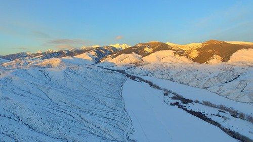 ranch sunset usa sunlight foothills snow art nature unmodified lightandshadows unitedstates artistic bluesky erosion idaho snowcapped northamerica rockymountains baretrees warmlight freshsnow unedited raysofthesun mountainscape mountaintops drone bentonite nofilters ranchland noadjustments dji ranchcountry wintercold beaverheadmountains straightoffthecamera salmonidaho quadcopter lemhicounty phantom3professional geertsoncreekroad redwillowbushes geertsoncreek