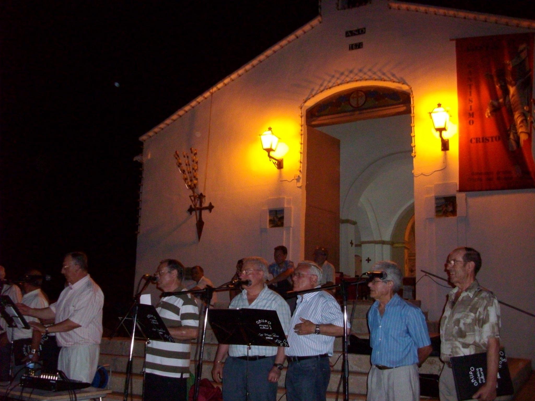 (2011-06-18) - II Serenata Los Marchosos - José Vicente Romero Ripoll (04)