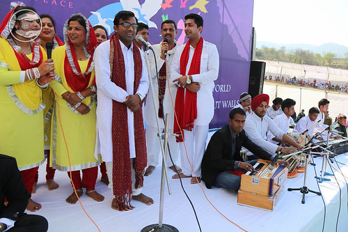 Devotional song by Ajay Kumar and Saathi from Katra
