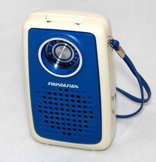 Vintage Soundesign AM Pocket Radio, Model 1177, Made In Ho