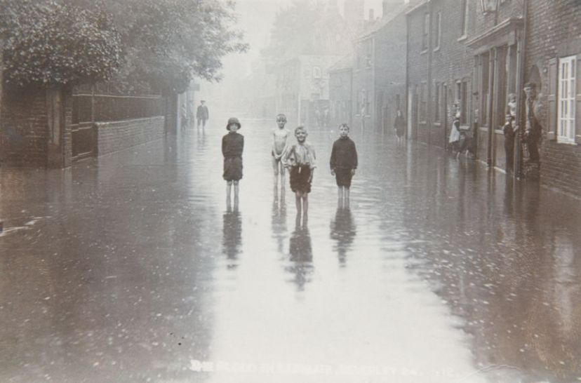 Lairgate, Beverley 1912 (archive ref DDX1544-1-17 (11))