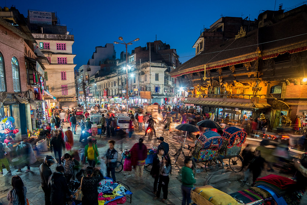 Kathmandu Nightlife | Traffic and shoppers in the evening