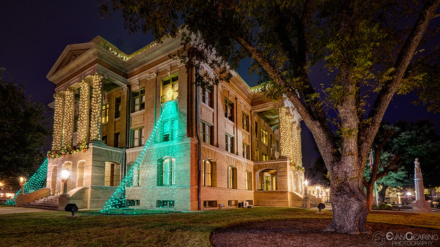 Williamson County Courthouse At XMas 02