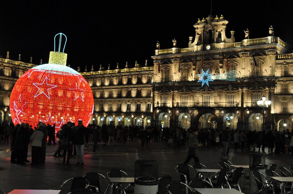 Adornos navideños en la Plaza Mayor de Salamanca