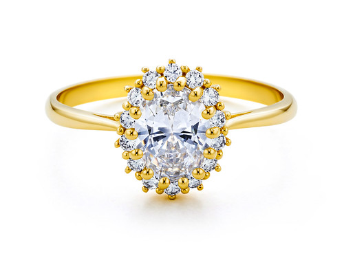 Yellow gold engagement ring product shoot