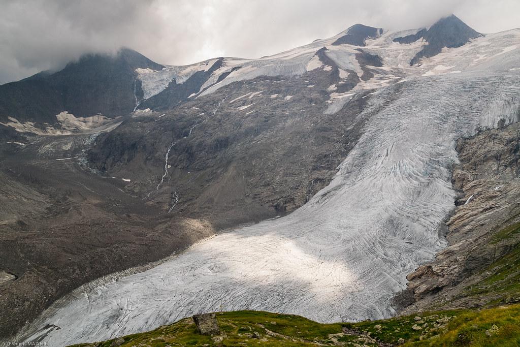 De Alte Prager Hütte au glacier