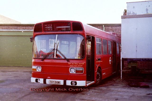 LS6 TGY106M AEC Southall December 1985