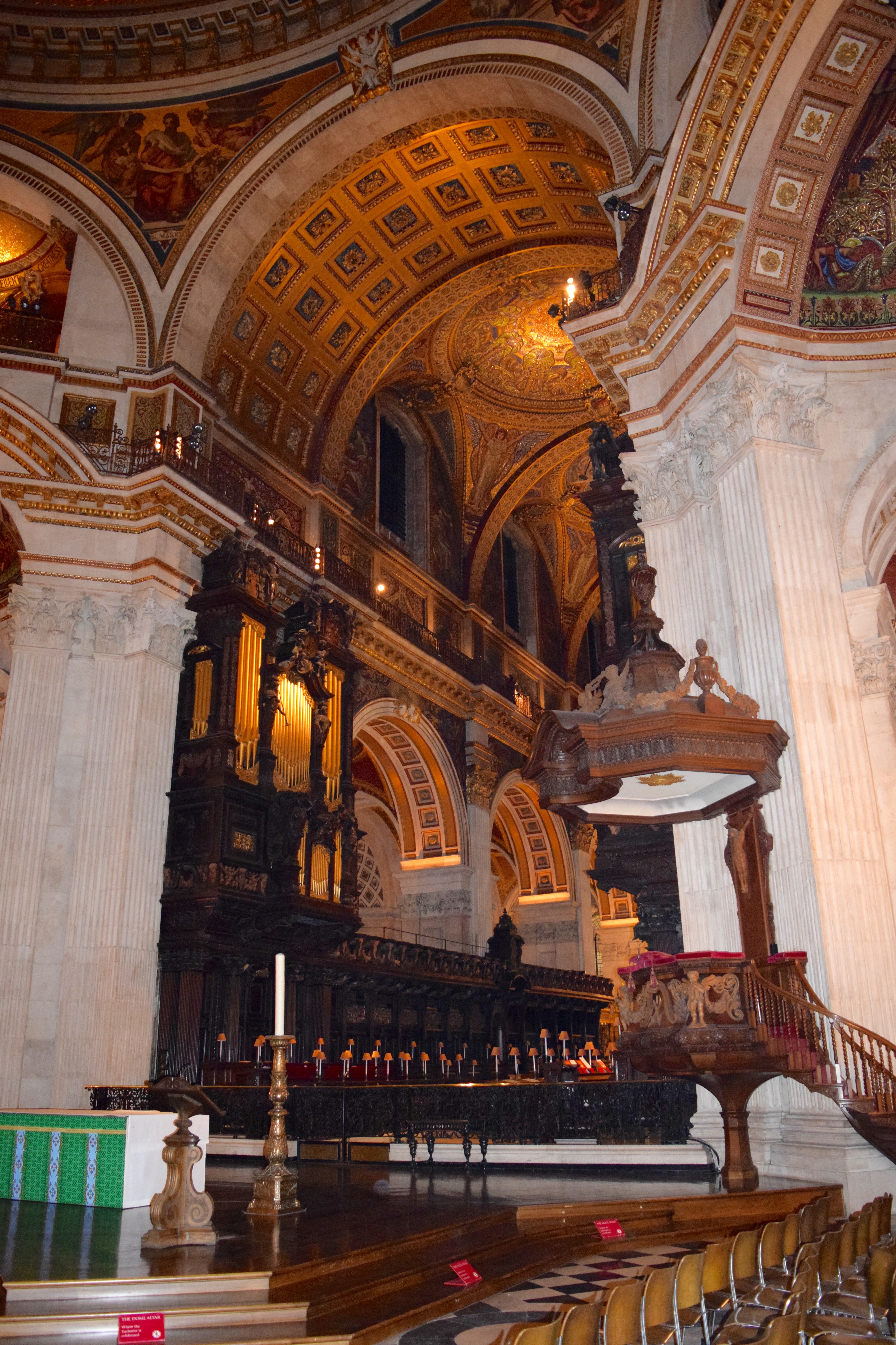 2016 Friends Tour of St Paul's Cathedral