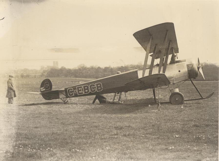 Avro 504K (Scottish Aviation) on Beverley Westwood c.1910 (archive ref DDPD-2-1-34)