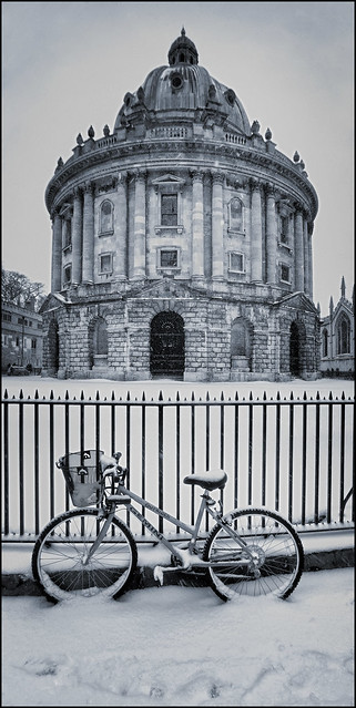UK - Oxford - Radcliffe Camera in the snow 02_panoramic blue_DSC1546