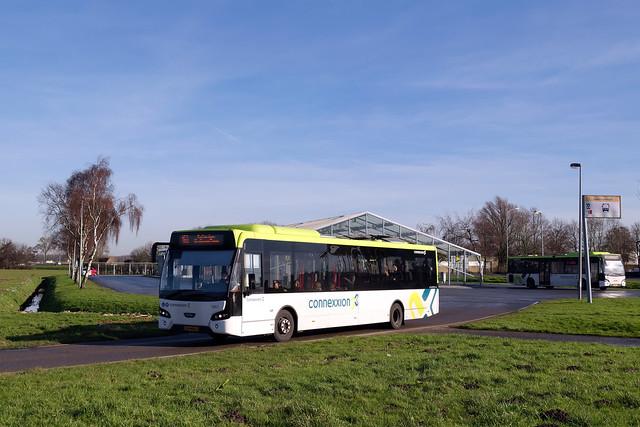 Connexxion 5867 - Heinenoord Busstation