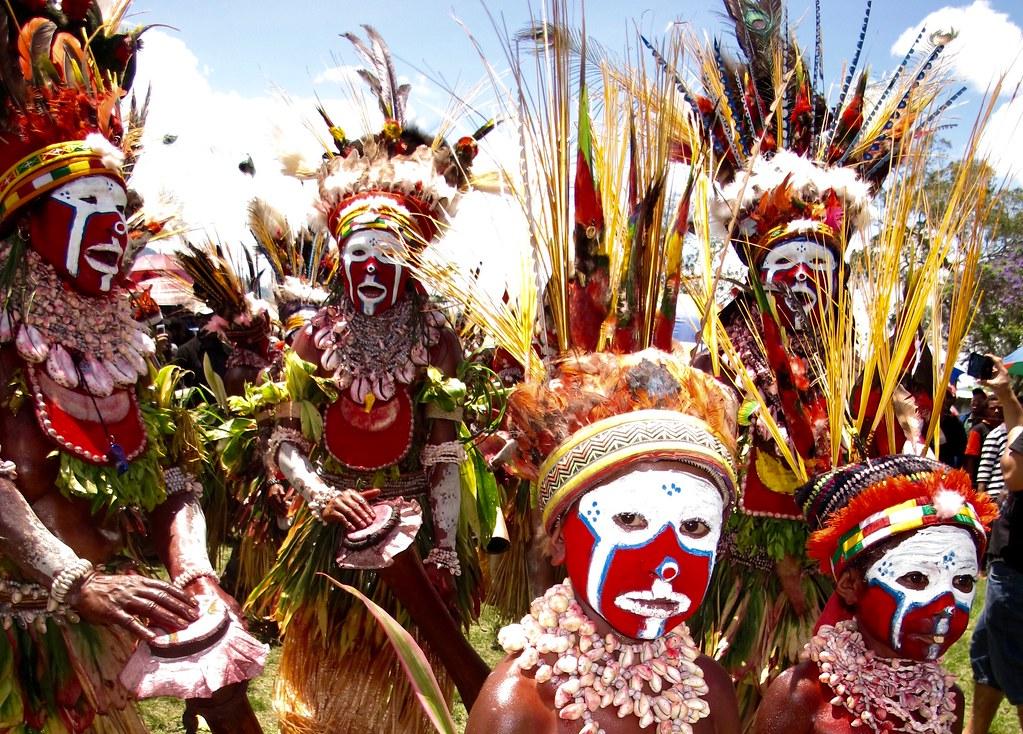 Enfants au Goroka show