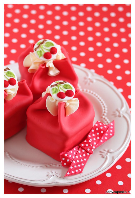 Cherry springele cake