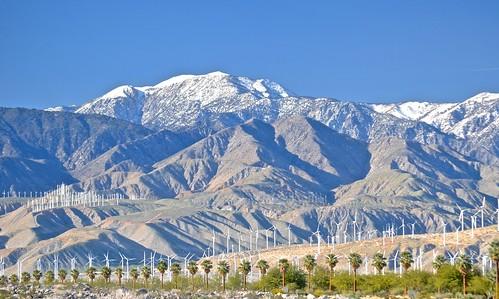 palmsprings snowcapped windfarm sanbernardinomountains sangorgoniopasswindfarm