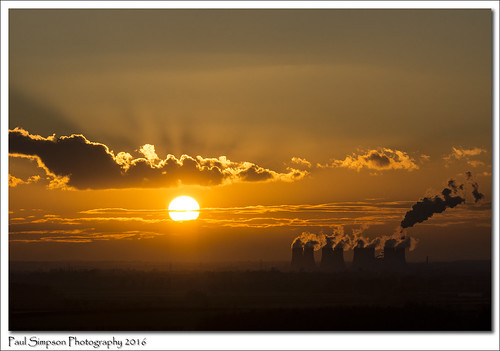 sunset england sky nature sunshine clouds industrial sunsets electricity february powerstation crepuscularrays coolingtowers photosof yellowsunset sunsetphotography photoof sunsetphotos cottampowerstation energysolar sonya77 paulsimpsonphotography photosofthesun sunsetsinengland
