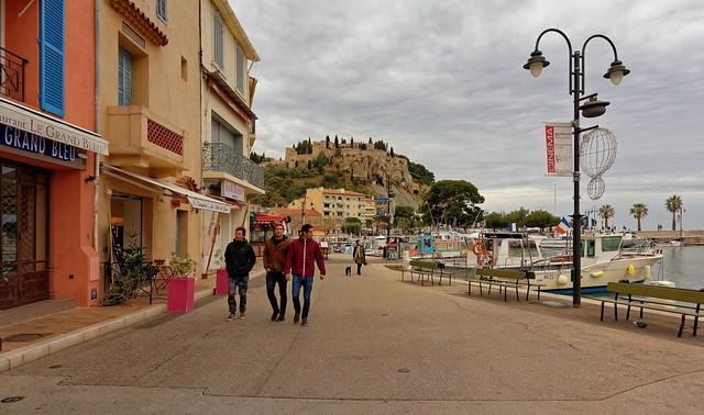 Cassis: Promenade sur le quai