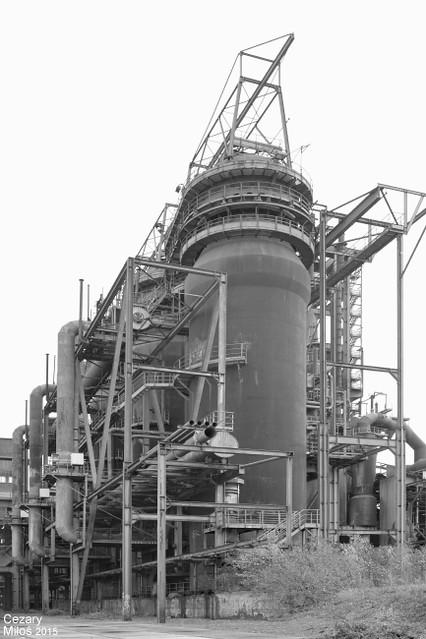 Huta Hoesch Phoenix West w Dortmundzie - nagrzewnice wielkiego pieca nr 5. / Hoesch Phoenix West Hutte - Winderhitzer des Hochofen 6. / Iron&Steel Works Hoesch Phoenix West - hot blast stoves of blast furnace 5.