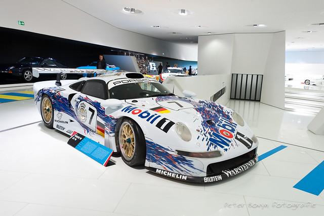 Porsche 911 GT1 - 1996