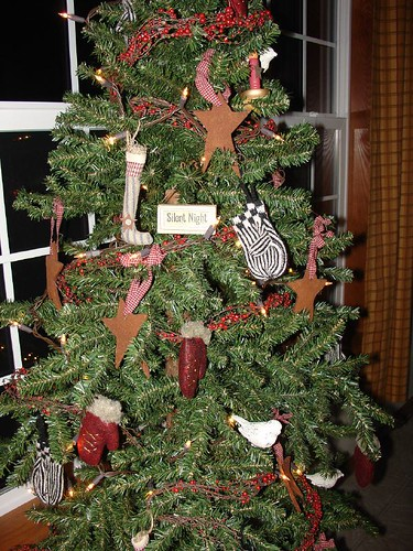 Primitive Christmas Tree.Primitive Christmas Tree A Storybooklife Blog Creative Ho