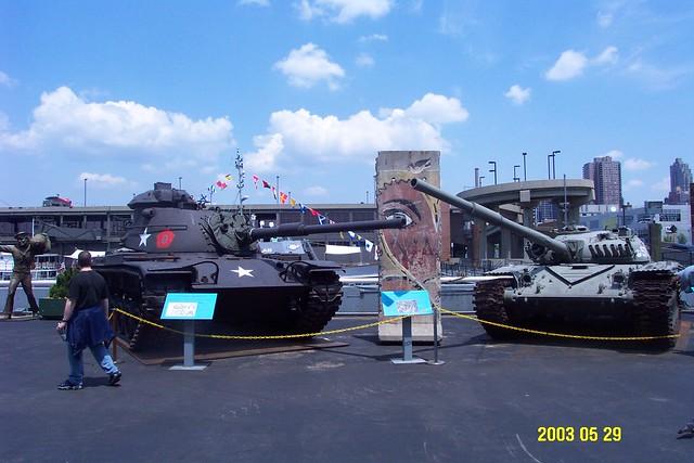 USS_Intrepid_9_tanks