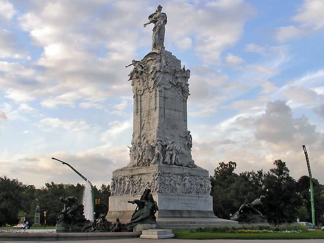 Monumento a los Españoles Buenos Aires Argentina 130
