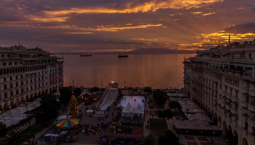 christmas xmas sunset sea sun tree water port sunrise square dawn holidays downtown dusk greece grecia thessaloniki timeless salonica macedonian aristotelous makedonia salonicco μακεδονια macedoniagreece