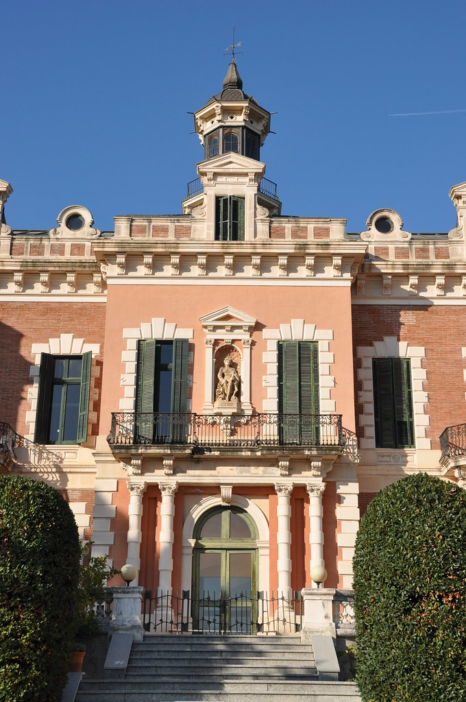 """Barcelona (Montbau). Gallart House aka """"Les Heures"""" (the ivies) mansion. 1894-1898. August Font, architect"""