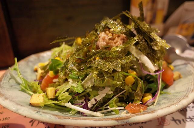 <p>わたんじサラダのハーフなんですが、かなりの量です。400円!</p>