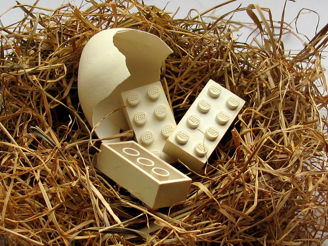 Lego BASF C-brick - eggshell color