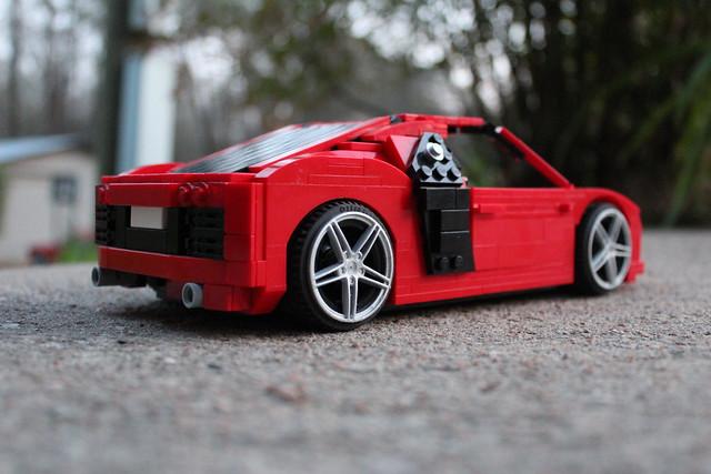 Audi R8 - 14 wide