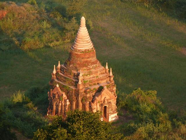 Templo de Bagan desde el aire