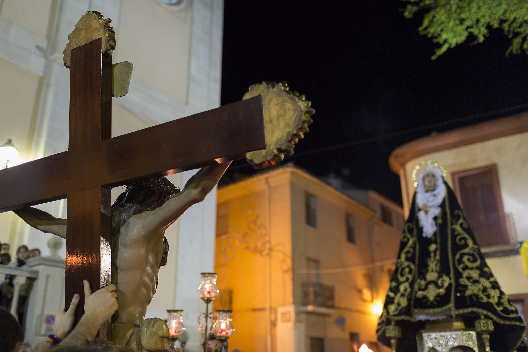 (2012-03-30) - III Vía Crucis nocturno - Vicent Olmos (02)